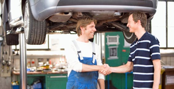 Réparation automobile : les constructeurs auto 70% plus chers