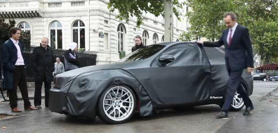 Provocateur, BMW a présenté fin août son nouveau modèle au Champs Elysées près de l'Arc de Triomphe ...