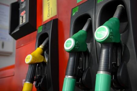 La baisse des prix des carburants continue