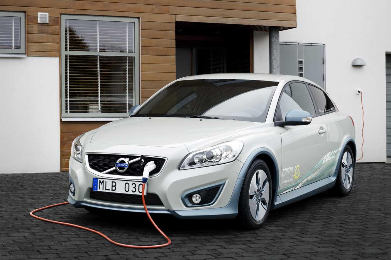 Volvo Cars augmente actuellement le rythme du développement de ses voitures électriques. Au prochain...