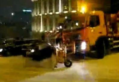 Dans la nuit de Jeudi le 16 décembre, un chasse-neige a été réquisitionné pour dégager les rues, mai...