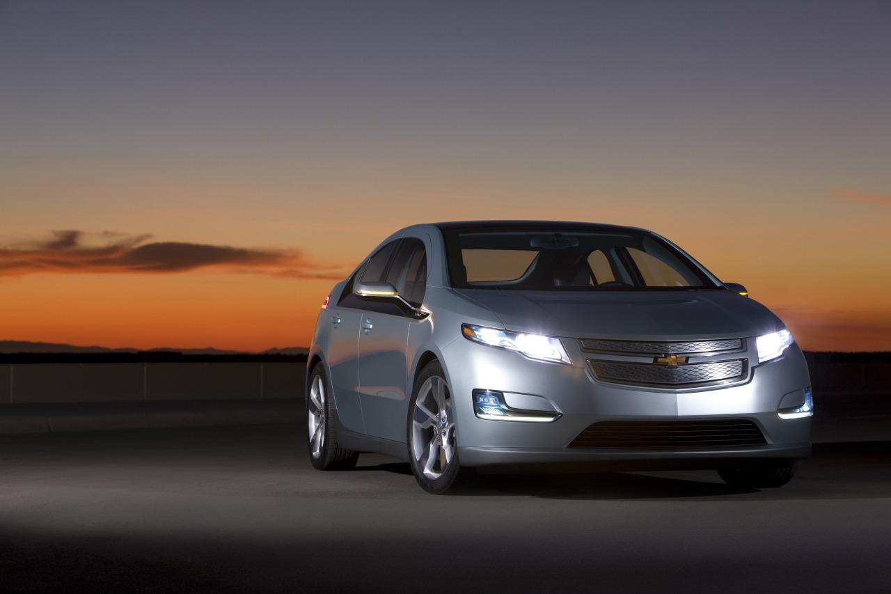 Yes, c'est la Chevrolet Volt qui a été élue pour la troisième fois voiture de l'année aux Etats-Unis...