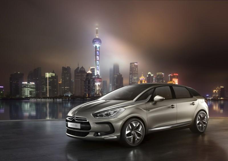 Le salon de Shanghai a été l'occasion pour Citroën de présenter en exclusivité sa DS5, modèle haut d...