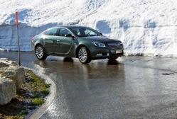 L'Insignia métamorphose l'idée que l'on peut se faire d'une Opel.  L'amortissement des défauts de la...