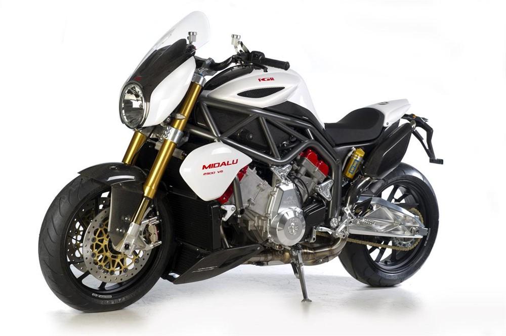 La FGR Midalu 2500 : une moto avec un moteur plus gros qu'un moteur de voiture ! La marque tchèque FGR sort la Midalu 2500