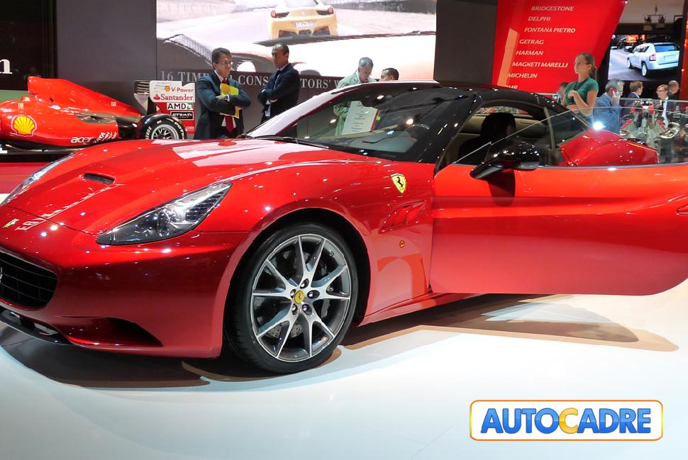 Stand Ferrari au mondial auto de Paris 2010 formule 1, SA, 599 GTB Fiorano, California, 458 Italia,