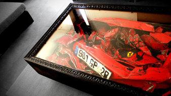 Des morceaux de Ferrari dans une table basse !