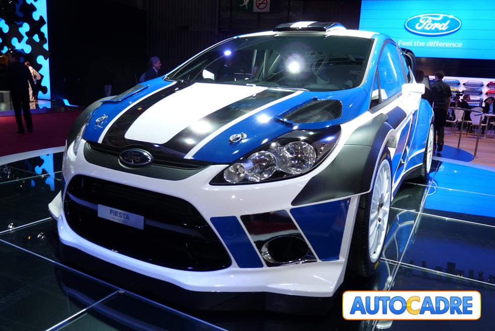 Stand Ford au mondial auto de Paris 2010 Ford C-Max, Ford Grand C-Max, Ford Fiesta, Ford Fiesta RS WRC 2011, Ford Focus, Ford Focus Titanium, Ford Ka, Ford Kuga