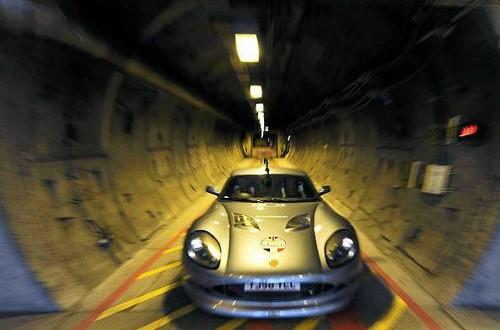 Une voiture électrique sous la manche  Une première mondiale…