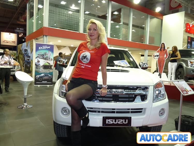 Stand Isuzu au mondial auto de Paris 2010 Hôtesses
