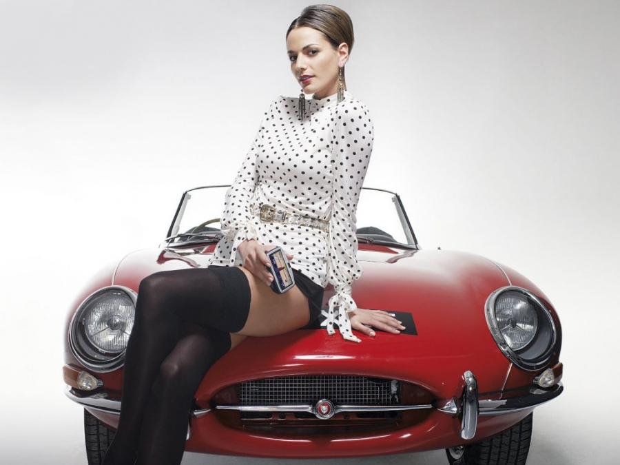 La Jaguar Type-E  fête ses 50 ans (Vidéo)