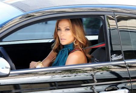 En ce moment Jennifer Lopez est plutôt Fiat 500 et on l'avait déjà constaté dans son dernier clip no...