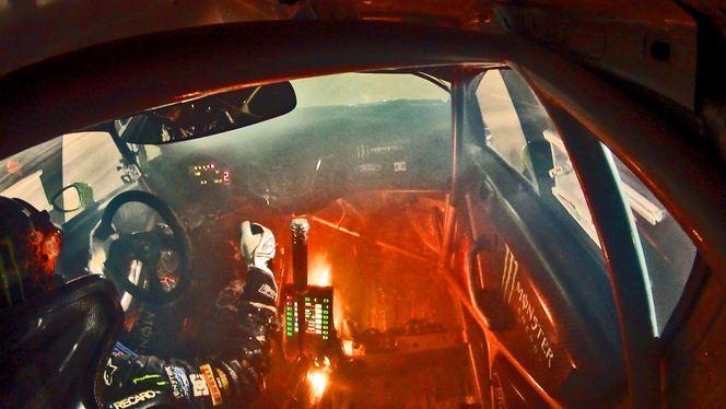 Ken Block : sa voiture s'enflamme (Vidéo)