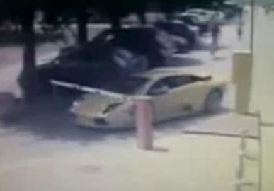 (Vidéo) Une Lamborghini Murcielago ne paye pas sa place de parking ! Comment rentabiliser une Lamborghini
