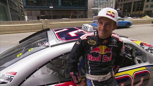 NASCAR Taxi à Chicago (Vidéo) Une virée avec Scott Speed