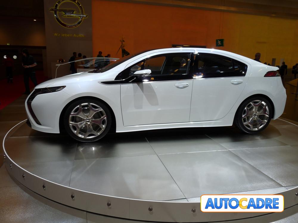 Les visiteurs du Salon automobile de Francfort auront la chance de voir l'Opel Ampera, la voiture él...