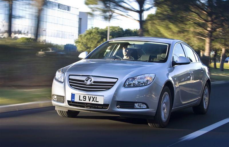La nouvelle version de l'Opel Insignia ecoFLEX offre une conduite dynamique, de faibles émissions de...