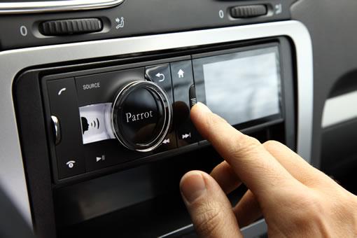 Du nouveau dans les produits high-tech dédiés à la voiture (Vidéo) Un nouveau type d'autoradio/GPS