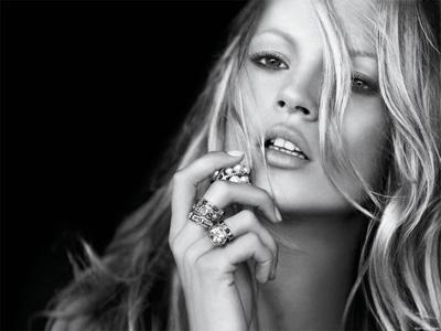 Calendrier Pirelli 2012 : Kate Moss se dévoile nue