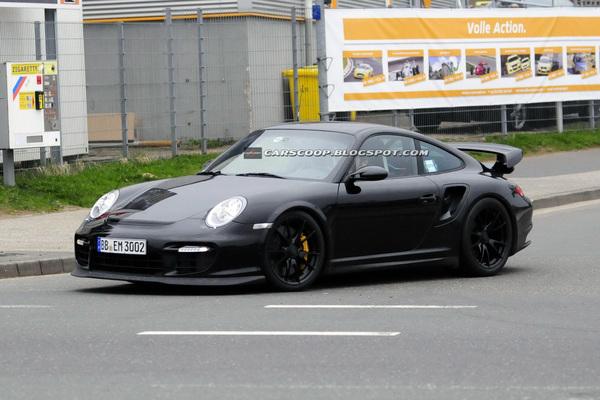 Trop c'est trop !  Porsche, longtemps détenteur du record du tour sur le circuit du Nürburgring (ci...