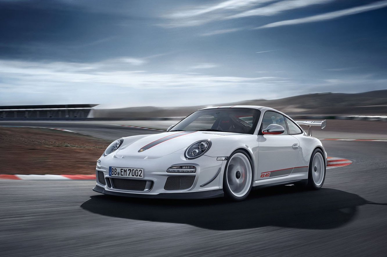 Voici l'occasion d'admirer de plus près la nouvelle Porsche 911 GT3 RS, attention le bolide vaut le ...