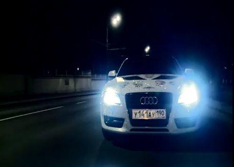 Le préparateur russe Shampa a eu l'idée d'associer les cristaux Swarovski à une Audi A5, ce qui donn...