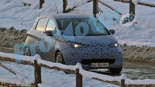 Alors que la course à la voiture électrique continue, Renault vient de tester sa petite dernière sur...