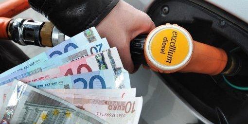 Carburant : bientôt une aide pour les bas revenus ?
