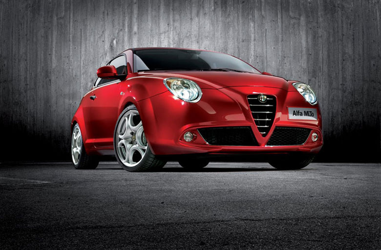 Le voile est levé ! En plus des premières photos de l'Alfa « Junior », nous avons reçu le nom défini...