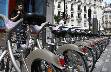 Après le Vélib voici l' Autolib Automobiles en libre service à Paris