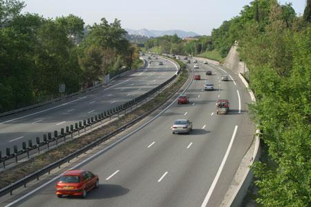 Autoroute : plus on pollue, moins on paye C'est la tarification autoroutière qui est en cause