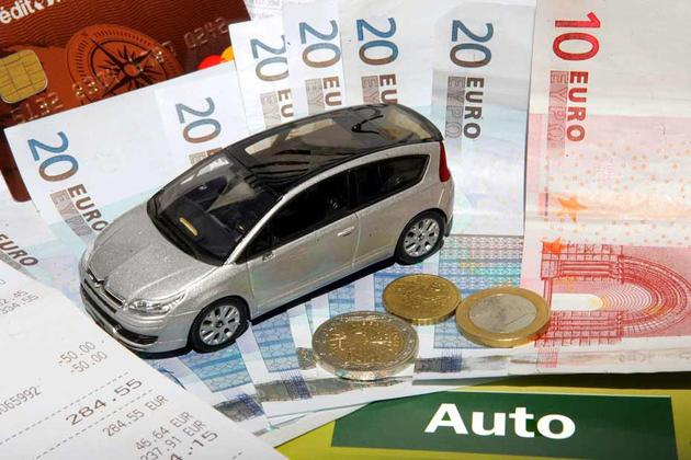 Club Association a men� l'enqu�te sur le co�t annuel moyen d'une voiture en France en 2013 par rappo...