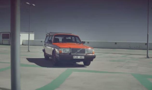 Pour vendre sa vieille Volvo, il a créé un spot publicitaire hors du commun avec un budget de 0€