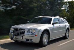 Chrysler 300C LX 3.0 CRD Touring  C'est d'abord une gueule, un look