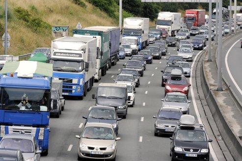 Le Ministre des Transports envisage la possibilité d'ouvrir la circulation sur les bandes d'arrêts d...