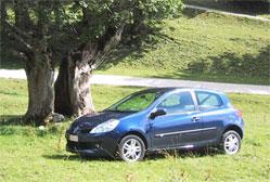 Renault Clio 1.5 dCi Authentique - 85 cv Chacune des Clio III obtient les cinq étoiles aux tests Euro NCAP