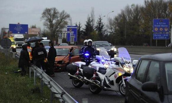 Un  conducteur  roule  en contresens sur 13km à Lyon Au volant d'une Renault  Super 5