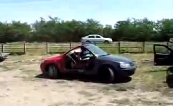 Quelle voiture choisir entre la rouge et la bleue ? (Vidéo) Et pourquoi pas les deux !
