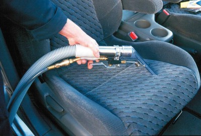 Faire laver sa voiture par un professionnel for Lavage auto interieur
