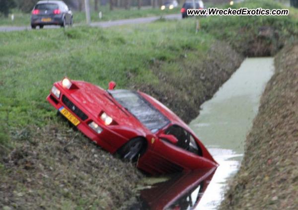 Le crash d'une Ferrari