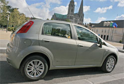 Fiat Grande Punto 1.4 Starjet 16V Emotion Italienne un peu mollassonne
