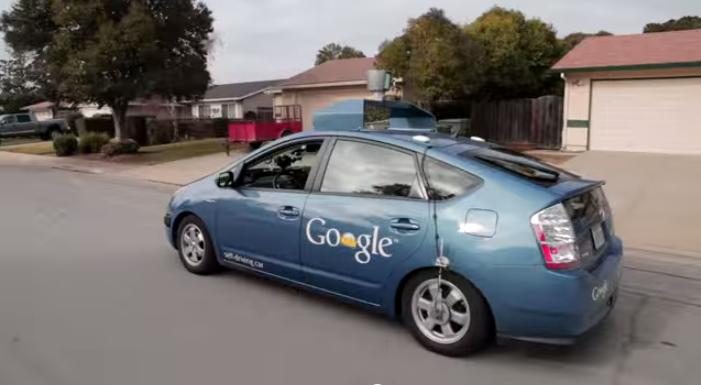 Google concrétise et avance de plus en plus sur son concept « Self-Driving car » c'est-à-dire la voi...