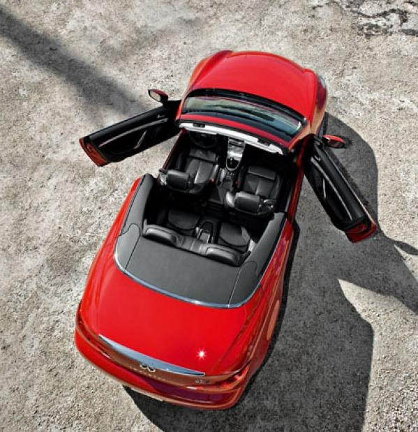 Le G37 Cabrio, cinquième modèle de la gamme Infiniti en Europe, sera présenté en première Européenne...