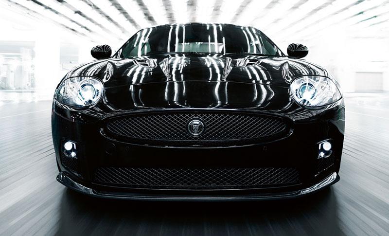 Jaguar a le grand plaisir d'annoncer l'arrivée d'un modèle très spécial dans la gamme XK de voitures...