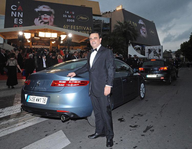 Entre Cannes et Monaco, Renault révèle ce week-end Laguna Coupé. Avec un style fluide résolument épu...
