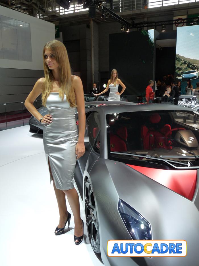 Stand Lamborghini au mondial auto de Paris 2010 Hôtesses, nouveautés, prototypes