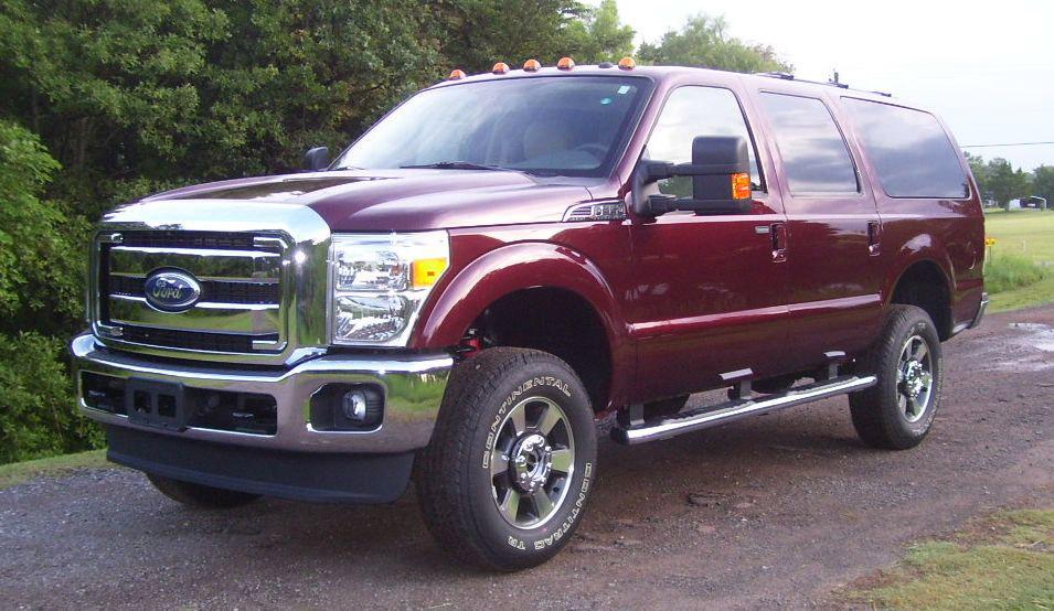 Le plus gros SUV du monde : le Ford Excursion Il est toujours possible de l'acheter