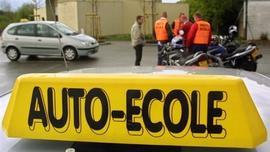 Louer une voiture d'auto-école à moitié prix Utile et efficace pour se préparer à l'examen
