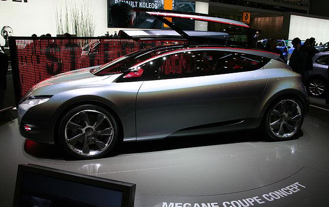 Renault Mégane Coupé Concept Les portes rappelle les ailes d'une libellule
