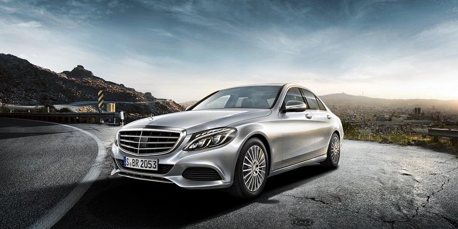 La nouvelle Mercedes Classe C sera dévoilée au Salon de Los Angeles mi-Novembre prochain. Cependant ...